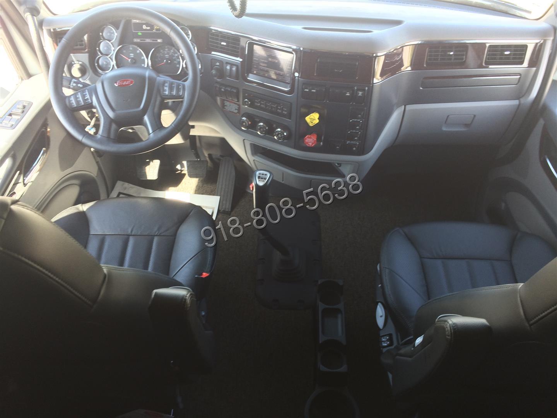 2016 579 Peterbilt VIDEO TOUR 525 Cummins 13 speed Platinum interior. TD011925